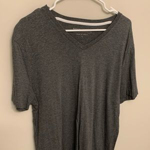 Banana Republic V Neck (large)